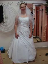 finální zkouška šatů i s doplňky