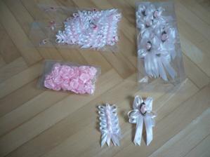 vývazky malé, velké a kytičky na jmenovky :-)