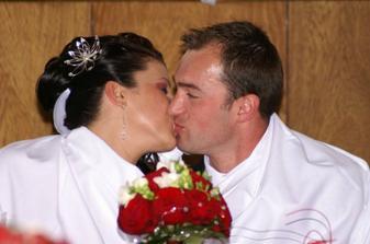 Polievka je málo slaná nevesta je nepobozkaná :-)