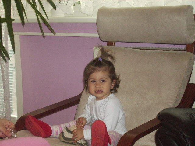 10.10.2009 - moja najkrajsia druzicka, neterka Bianca, uz ma ale 3 rocky - je to starsia foto