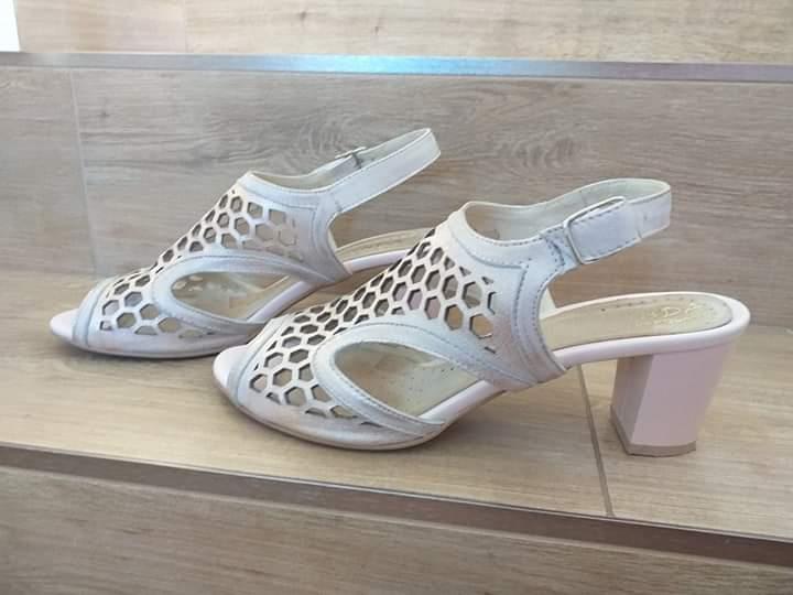 Kožené staroružové pohodlné sandále - Obrázok č. 1