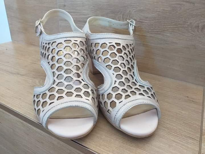 Kožené staroružové pohodlné sandále - Obrázok č. 4