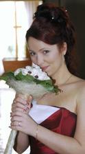 Se svoji svatební kytičkou
