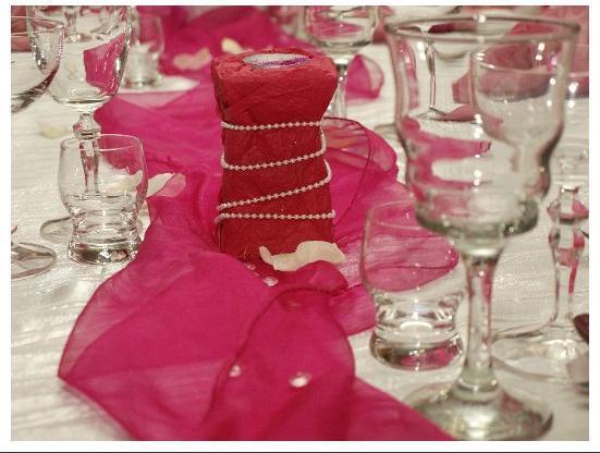"""""""Keby som sa mohla odviazať, moja svadba snov by vyzerala takto..."""" - Aj obyčajná biela sviečka vyzerá úžasne"""