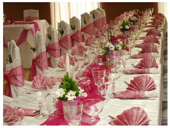 """""""Keby som sa mohla odviazať, moja svadba snov by vyzerala takto..."""" - Výzdoba stola - jednoduchá, ale veľmi pekná"""