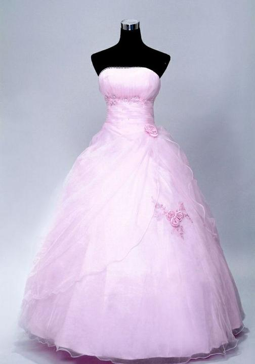 """""""Keby som sa mohla odviazať, moja svadba snov by vyzerala takto..."""" - Jemne ružové popolnočné šaty"""