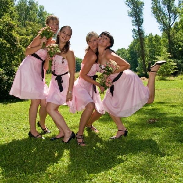 """""""Keby som sa mohla odviazať, moja svadba snov by vyzerala takto..."""" - Veľmi sa mi páčia takéto šaty pre družičky"""
