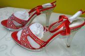 Červené topánočky, 40