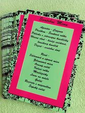 """Hotové """"menu"""" kartičky na stůl"""