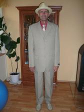 tatka zkouska nového obleku a klobouku