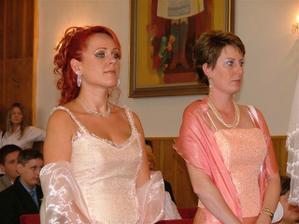 zľava moja naj sestrička a švagrinká - naši svedkovia