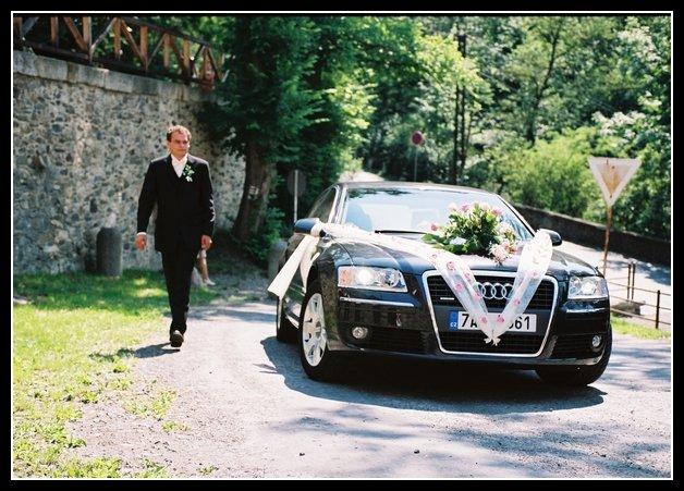 Lucie{{_AND_}}Martin Balounovi - Měla jsem bodyguarda :-D (svěděk ženicha)