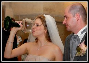 Jak na to víno mlsně koukal, abych mu taky něco nechala :-)