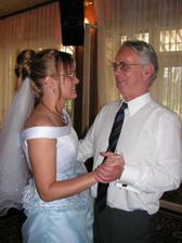...ale pak se už zas tancovalo...nevěsta s tchánem...