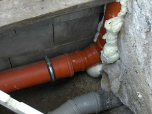 Nové potrubie... pripravené do podkrovnej časti domu