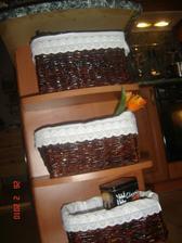 košíky v kuchyni
