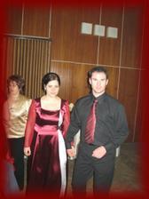 už popolnočné šaty, aj ženích menil odev :-) a už bola voľná zábava a teda poriadna