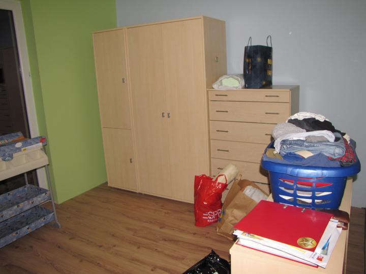 Posledný deň v roku sme sa presťahovali - detská izba ešte neuprataná