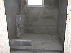 kúpelňa omietnuta na hrubo