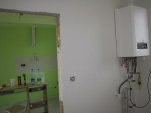 kotolňa a pohlad do kuchyne