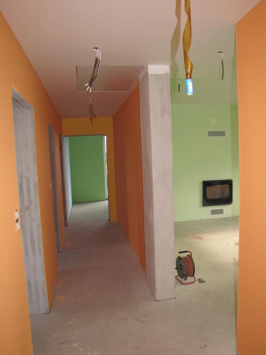 Malovka - chodba a obývačka