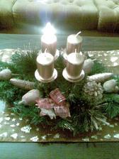 Tiež nie podarený záber, ale zapálenú sviečku je vidieť
