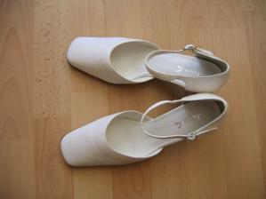 Moje bílé botičky