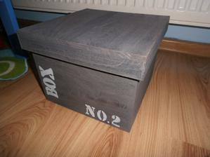 dreveny boxík