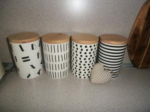 včera som ich videla na ms cz zapačili sa mi a kupila som ich dnes  ..všetky 4 su keramické