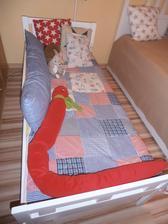 premalovana synova postel