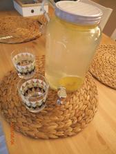 sklenena flasa na citronádu u nás má velky uspech  :)