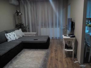zatiaľ bez nábytku hlavne nech je tv a gauč