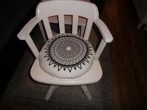 vankušik na stoličku ako uliatý