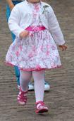 Dívčí společenské šaty, 104