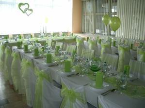 výzdoba bude určite v bielo-zelenej :) a sami si budeme vyzdobovať, už sa tak teším :)