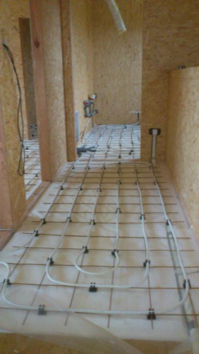Stavba - podlahovka na poschodi