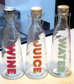 Sada 3 fľaší na vodu, víno a džús - Obrázok č. 1
