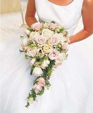 kytice - bílé růže