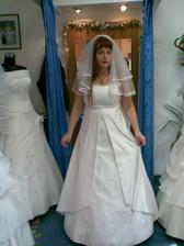 Svatební šaty, již zamluvené (závoj ani šperk k tomu nepatří)