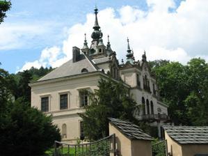 Pohled na zámek Velké Březno