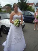 bílé svatební šaty vel. 40 může být i 38 a 42, 40