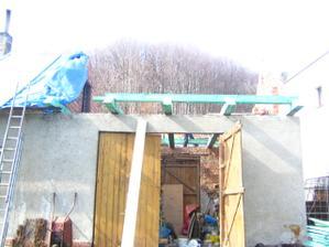 Hrozný pohled bez střechy :(