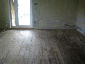 Stará podlaha co byla pod linem..