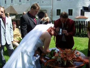 podpis nevěsta