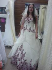 to som ja v mojich šatách šatách - salón CAXA, Olomouc