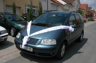 Výzdoba ženichova auta - vlastní výroba