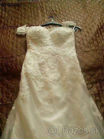 čipkované svadobné šaty s vlečkou - Obrázok č. 2