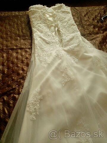 čipkované svadobné šaty s vlečkou - Obrázok č. 3