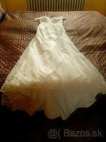 čipkované svadobné šaty s vlečkou - Obrázok č. 4