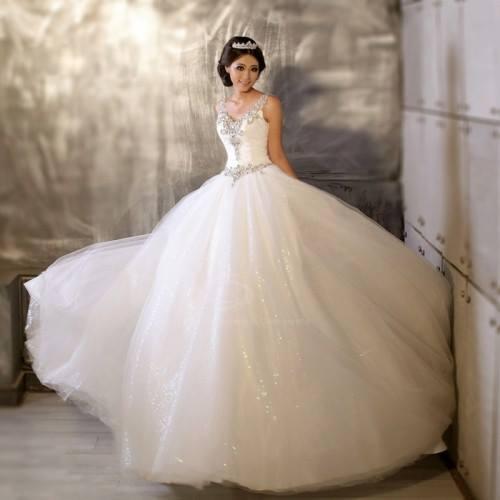 Kde nájdem tieto svadobné šaty  - - Svadobné šaty... d7918fe823e